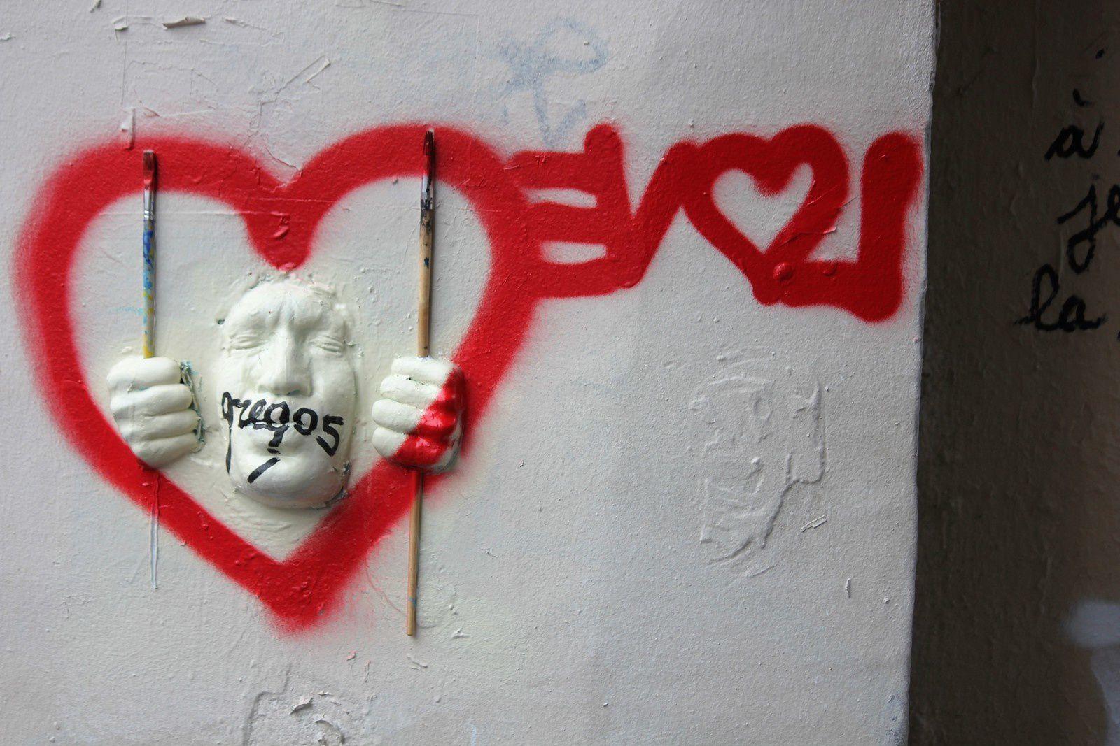 2 janvier, Gregos est mis dans un coeur par l'amour à l'envers. Est-il heureux ou écoeuré?