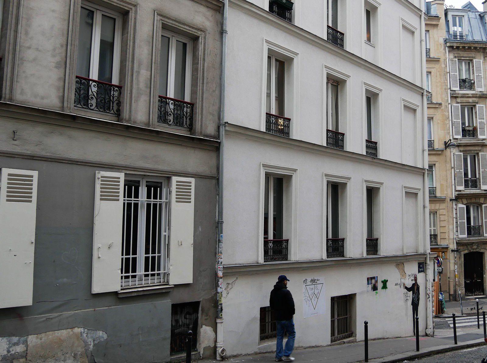 Deux derniers immeubles (arrière) côté impair