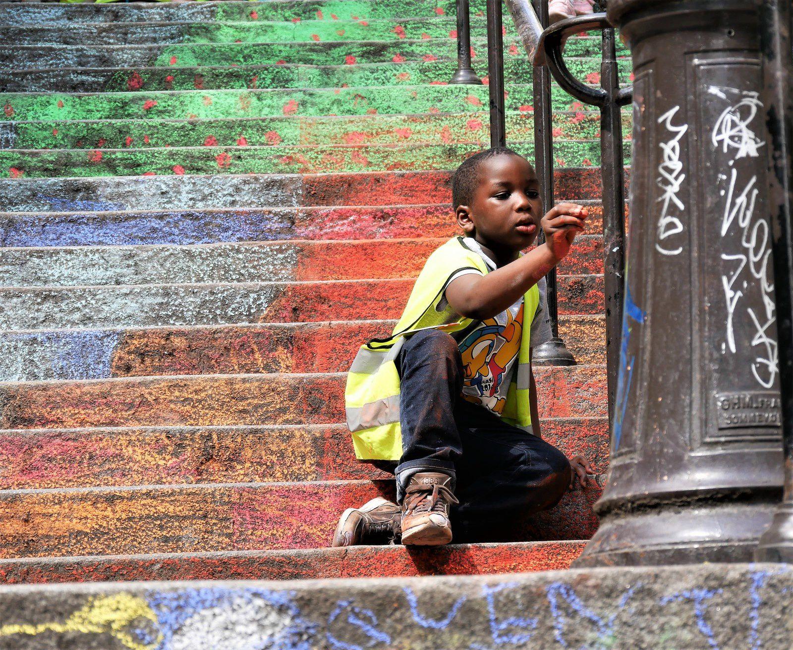 25 mai les escaliers et les artistes en herbe