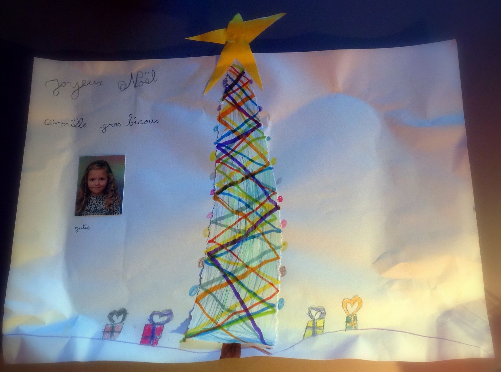 Le joli sapin de Noël de Julie