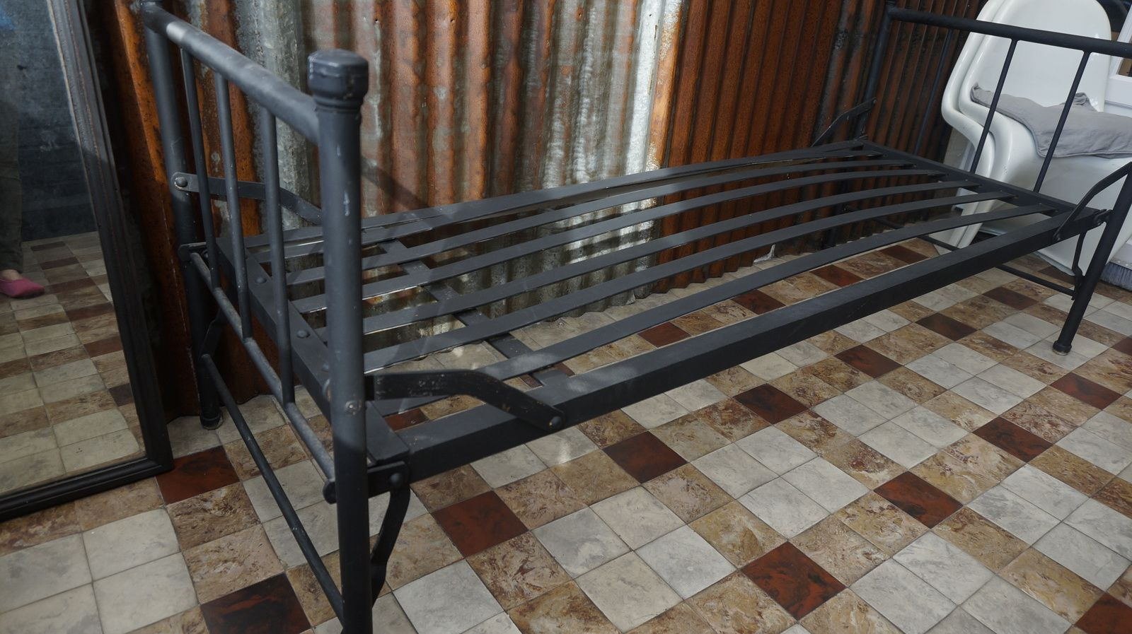 lit metal rosycabroc design industriel. Black Bedroom Furniture Sets. Home Design Ideas