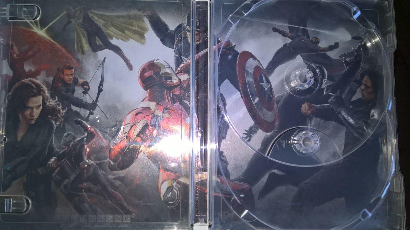C'est aujourd'hui 5 octobre 2016 que sort le film évènement de Marvel Studios, Captain America : Civil War. Un steelbook tout en beauté gaufré sur la face avant et avec un artwork interne, seul bémol les disques bleus non sérigraphiés, le tout accompagné d'un livret habituel d'une centaine de pages sur la post production.