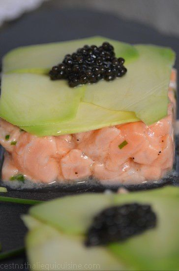Tartare de saumon frais et avocat avec Caviarly's