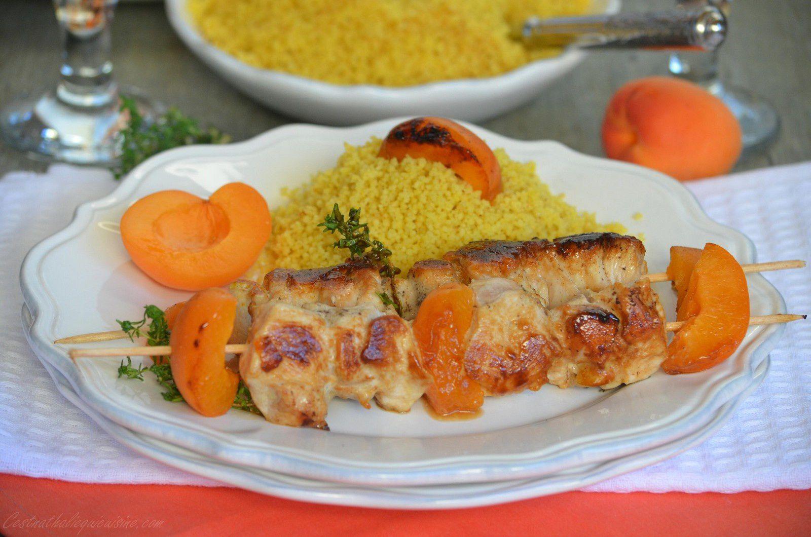 Brochettes de poulet à l'abricot et au thym
