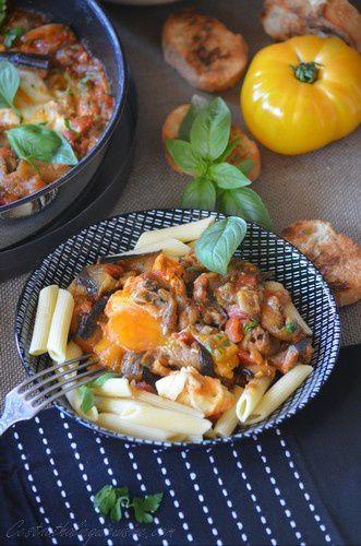 Chakchouka aubergine, tomates et basilic