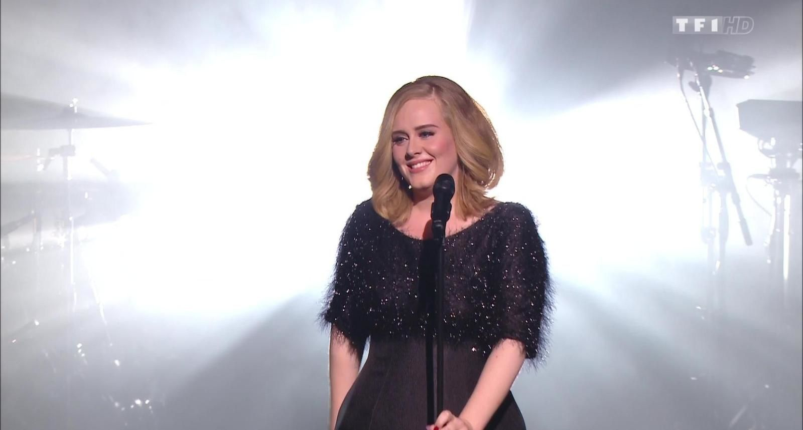 """""""Adèle sur la scène des NRJ Music Awards 2015"""""""