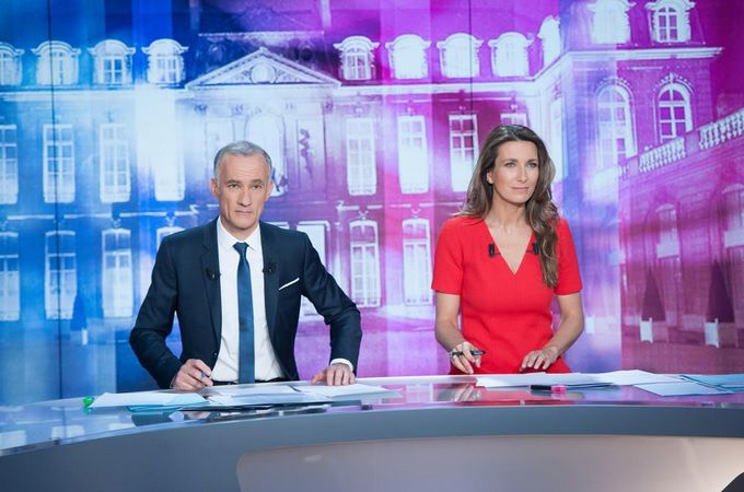 Gilles Bouleau et Anne-Claire Coudray (© Christophe Chevalin/TF1)