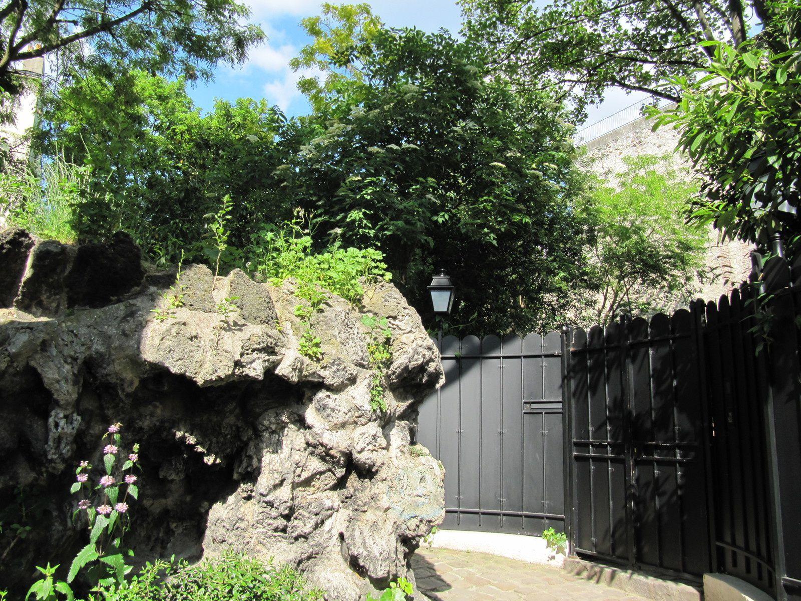 Le passage de la sorcière à Montmartre