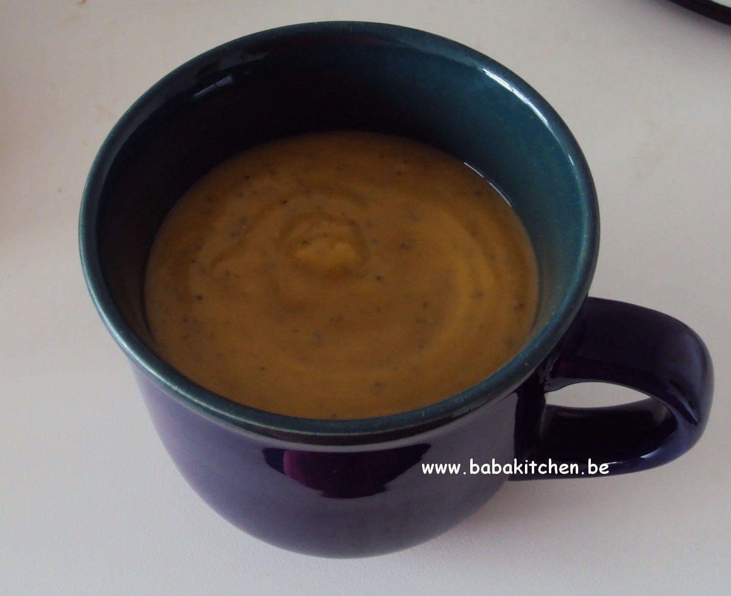 Mise à l'honneur : soupe froide tomates, courgettes et lait de coco