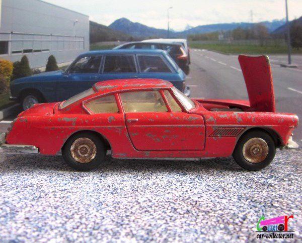 FERRARI 250 GT COUPE 2+2 DINKY TOYS MECCANO FRANCE 1/43