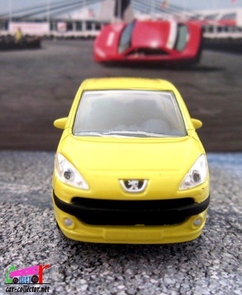 PEUGEOT 1007 COULEUR JAUNE NOREV 3 INCHES
