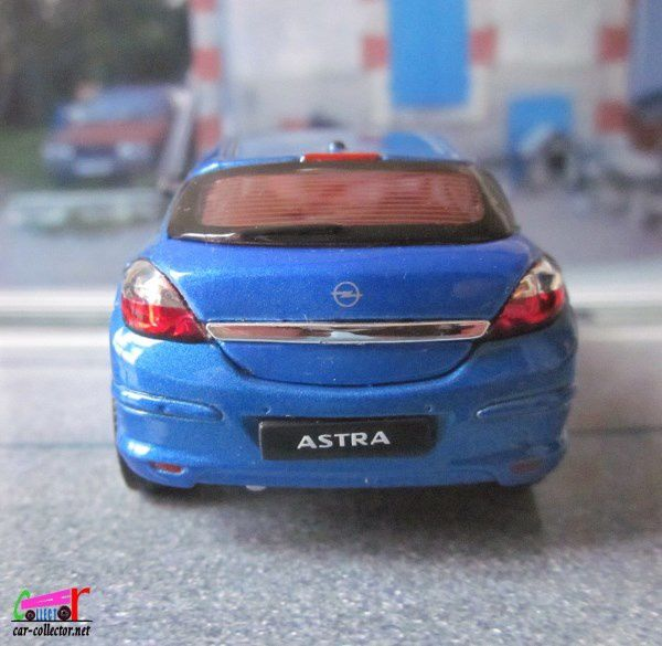 OPEL ASTRA GTC 2005 WELLY 1/43