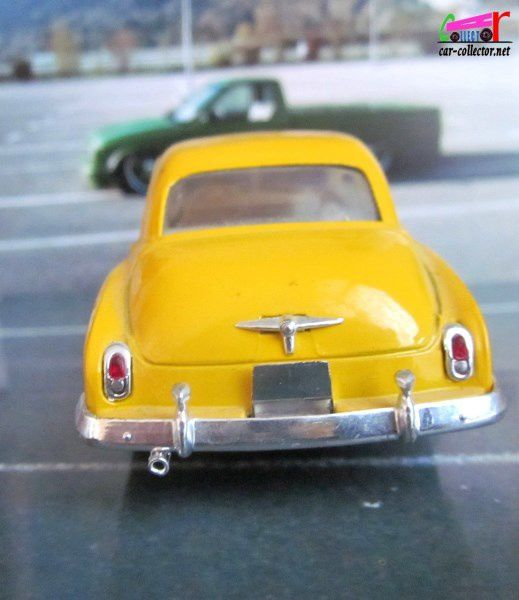 CHEVROLET SEDAN COCA COLA 1950 SOLIDO 1/43