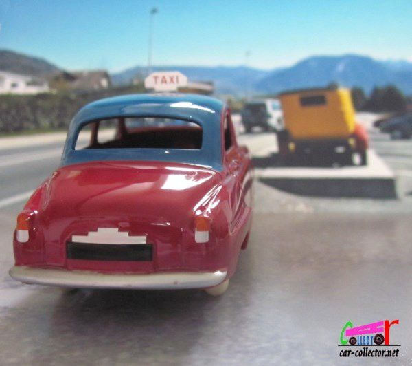 FASCICULE N°51 SIMCA 9 ARONDE TAXI DINKY TOYS REEDITION ATLAS 1/43