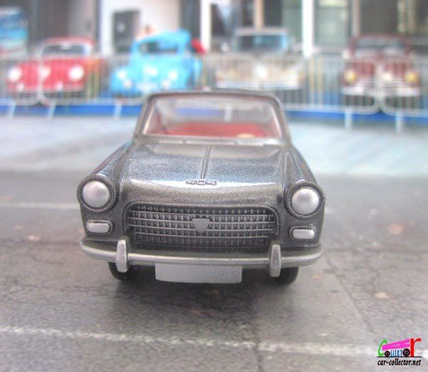 PEUGEOT 404 BERLINE GRIS ANTHRACITE METALISE DINKY TOYS REEDITION ATLAS 1/43