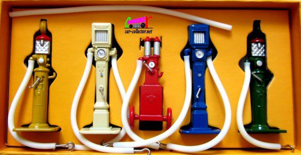 Dinky Toys Atlas Pompe à essence type double débit bleu