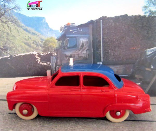 SIMCA ARONDE ELYSEE DINKY TOYS REEDITION ATLAS 1/43