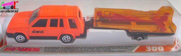 TOYOTA 4WD TOURISME + PLANEUR MAJORETTE 1/55