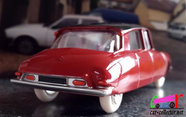 CITROEN DS 19 DINKY TOYS REEDITION ATLAS 1/43