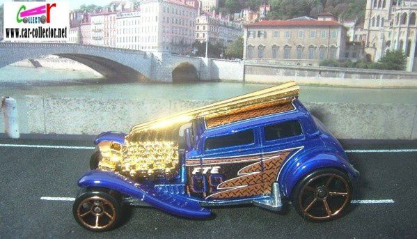 STRAIGHT PIPES FORD VICKY 1932 HOT WHEELS 1/64