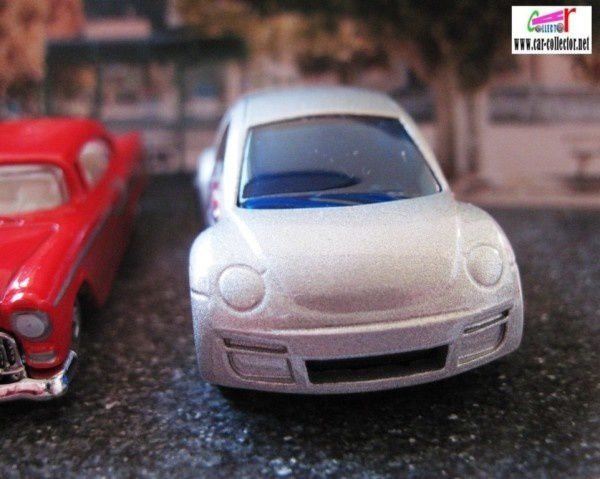 VOLKSWAGEN NEW BEETLE CUP HOT WHEELS 1/64