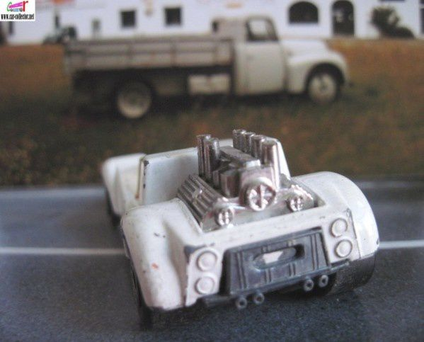 MB55-f. HELLRAISER BLANC MATCHBOX SUPERFAST