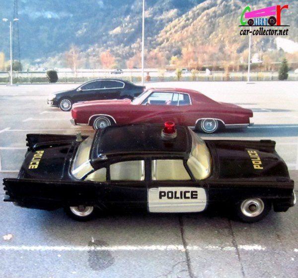 DE SOTO FIREFLITE POLICE CAR DINKY TOYS 1/43