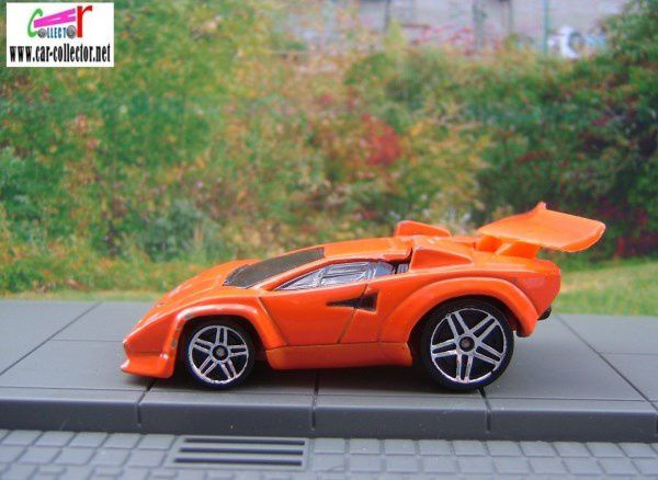 LAMBORGHINI COUNTACH TOONED HOT WHEELS 1/64