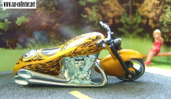 SCORCHIN SCOOTER MOTO HOT WHEELS 1/64
