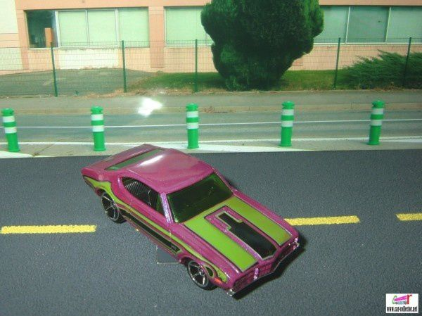 OLDS 442 W-30 HOT WHEELS 1/64 OLDSMOBILE 442 W30 442W30