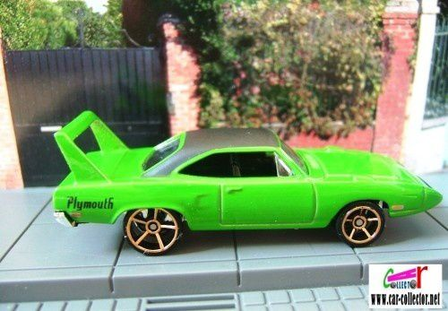 70 PLYMOUTH SUPERBIRD DAYTONA HOT WHEELS 1/64