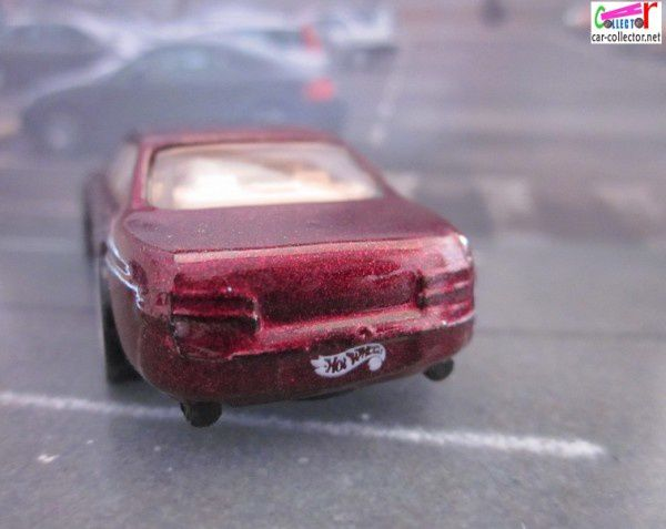 LEXUS SC 400 HOT WHEELS 1/64 SC400