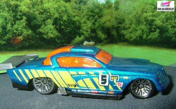 AT-A-TUDE STUDEBAKER COMMANDER STARLINER 1953 HOT WHEELS 1/64
