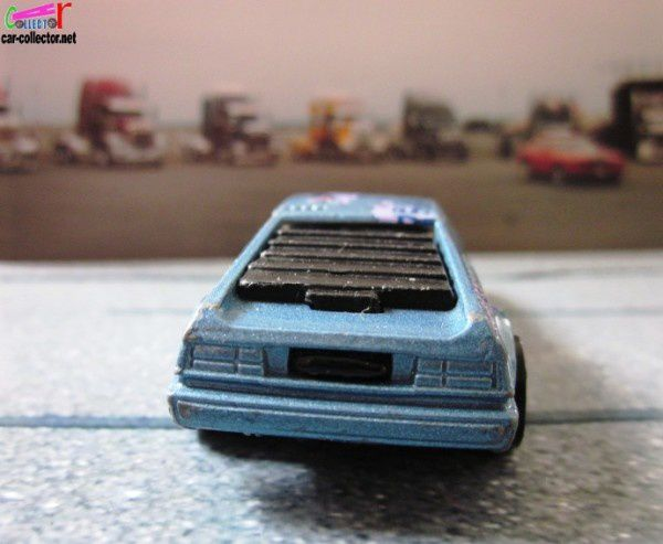 BMW M1 WIND SPLITTER STREET DOG HOT WHEELS 1/64