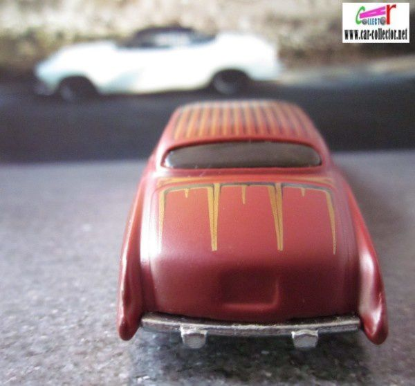JAGUAR MKX 1961 FISH'D &amp&#x3B; CHIP'D HOT WHEELS 1/64