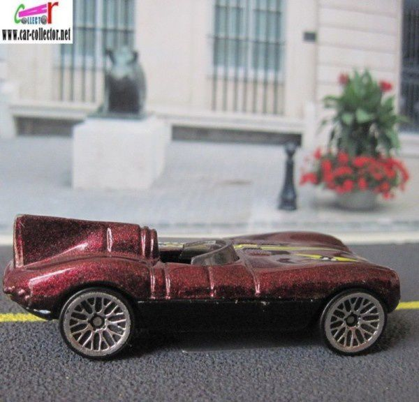 JAGUAR D TYPE HOT WHEELS 1/64 - JAGUAR TYPE D