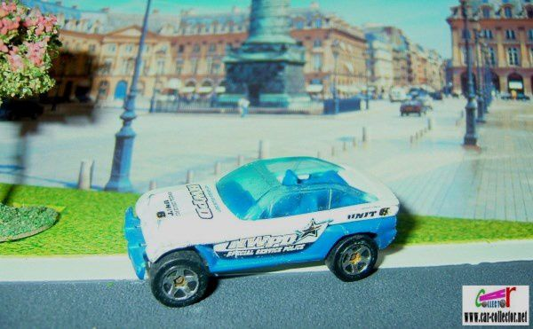 JEEP JEEPSTER HOT WHEELS 1/64