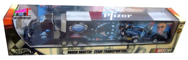 TEAM TRANSPORTER MARK MARTIN FORD TAURUS NASCAR PFIZER HOT WHEELS 1/43