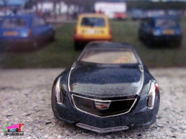 CADILLAC ELMIRAJ HOT WHEELS 1/64