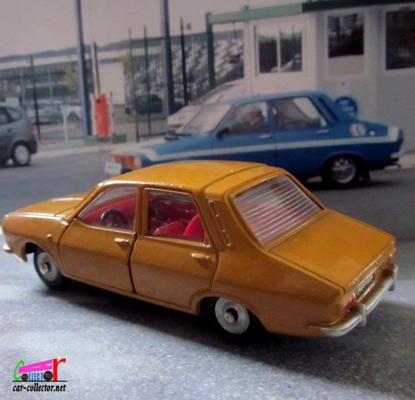 RENAULT 12 DINKY TOYS - R12 MECCANO TRIANG 1/43