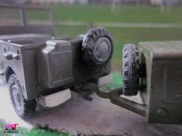 JEEP WILLYS MILITAIRE AVEC GROUPE ELECTROGENE FRANCE JOUETS 1/45
