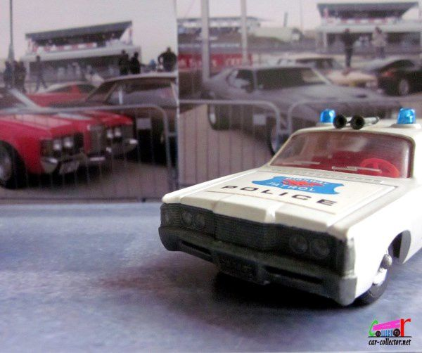 K-23. FORD MERCURY POLICE CAR MATCHBOX 1/50