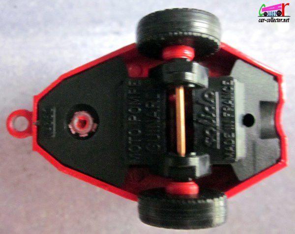 R5 EXPRESS POMPIERS VILLE DE SAINT MALO AVEC MOTO POMPE GUINARD SOLIDO 1/43