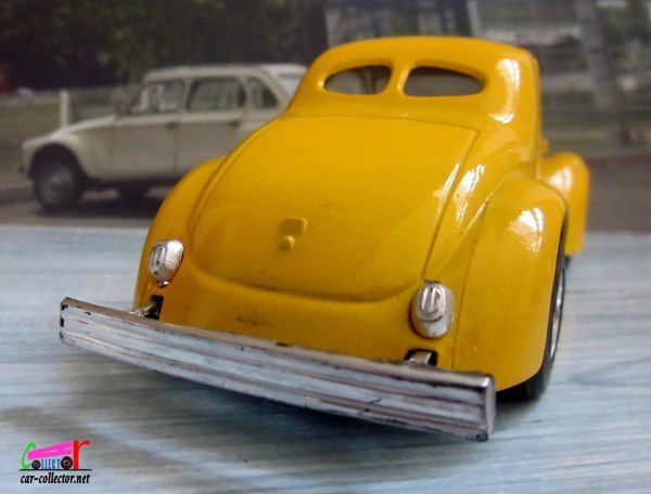 2602. FORD 41 WILLYS MAJORETTE 1/32