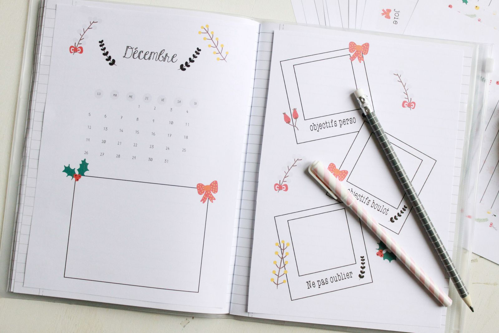 Première planche : le calendrier du mois, une partie illustration et ...
