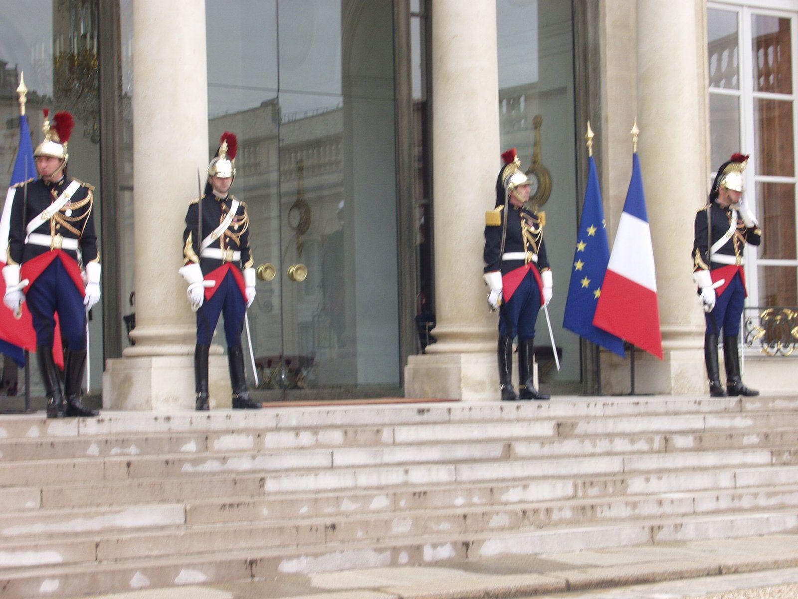 Joseph Kabila reçu par Hollande sous très haute surveillance policière