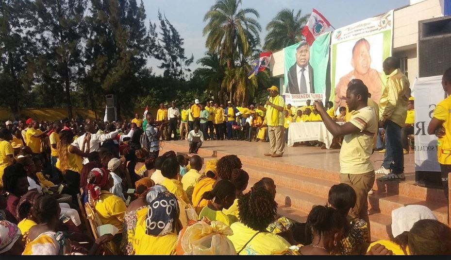 Fin de règne. «Yebela» et «Yo voisin» armes du peuple congolais