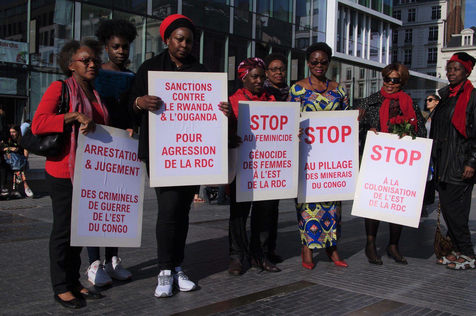 Place de la Monnaie à Bruxelles: No Congo, No Phone, no Ipad...