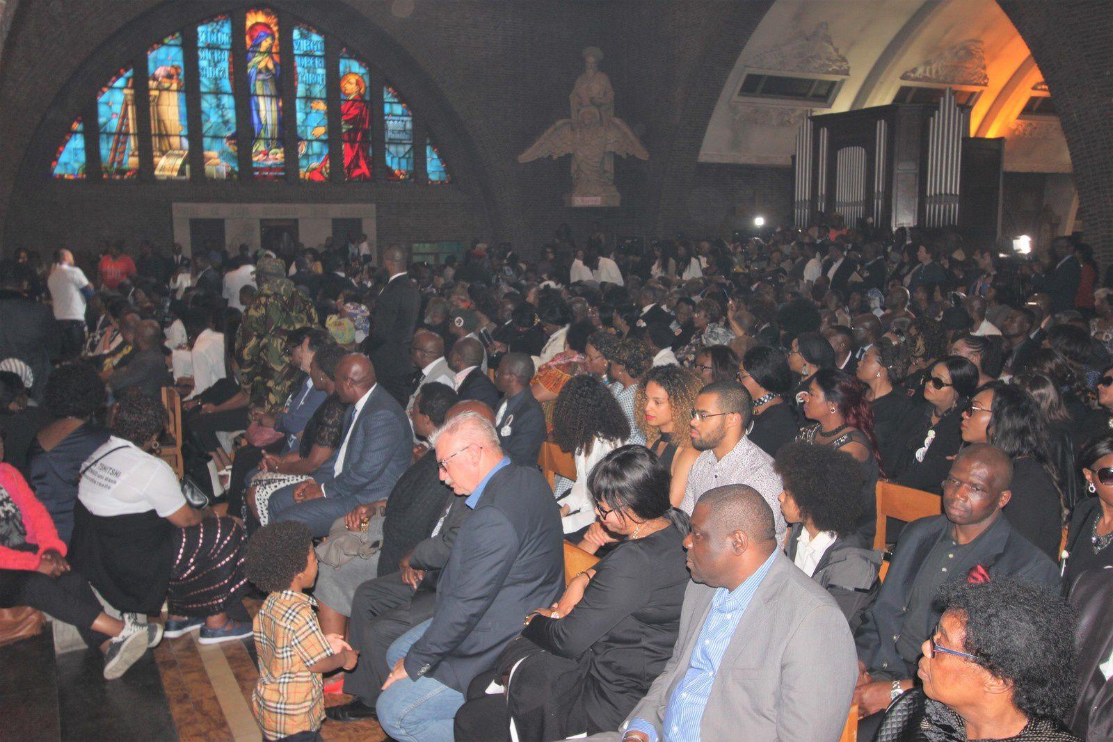 Bruxelles. Marée humaine pour l'adieu à Étienne Tshisekedi