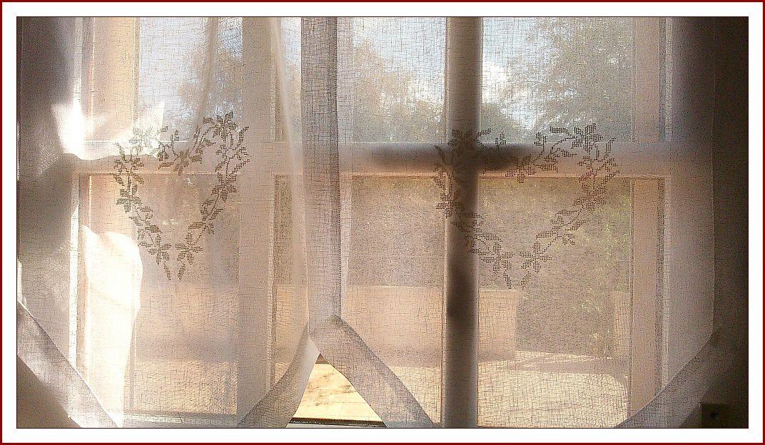 rideaux voile polyester et coton, brodés machine